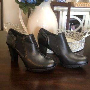 Anne Klein black bootie size 9M super stylish